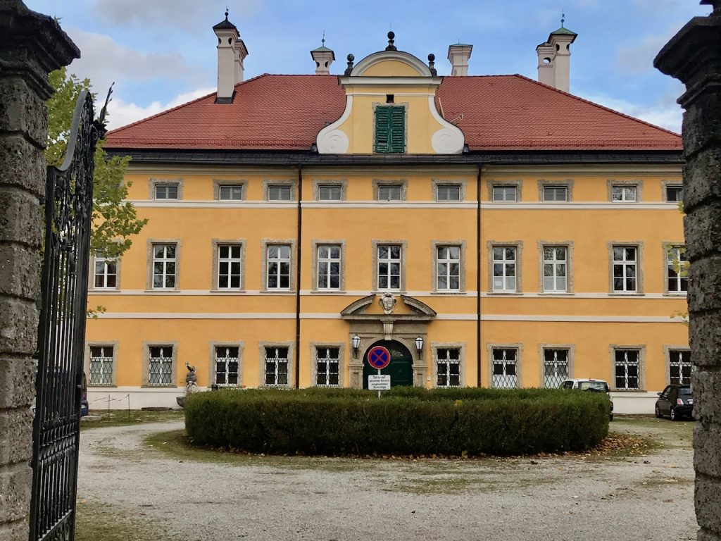 Frohnburg Palace Front